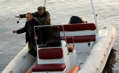 VIDEO. Momentul in care doi barbati care pescuiesc cu grenada au parte de o surpriza neplacuta