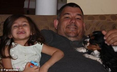 Acest tata va regreta toata viata ca i-a facut fiicei de 6 ani cont pe Facebook. Ce mesaj a primit