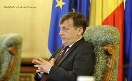 Crin Antonescu a numit doi consilieri prezidentiali: Gheorghe Rotaru si Vasile Enache