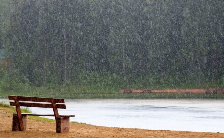 Fenomen ciudat in Statele Unite - ploaia fierbinte, cu o temperatura de 46 de grade Celsius