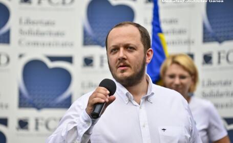 Adrian Papahagi, lider al Partidului Miscarea Populara, si-a anuntat retragerea din politica