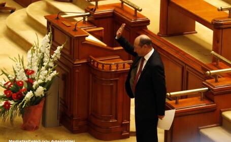 Plenul reunit discuta marti scrisoarea lui Basescu privind referendumul pentru unicameral