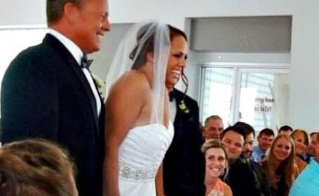 Niciun invitat de la nunta nu s-a putut abtine sa nu planga. Cum a aparut mireasa la altar