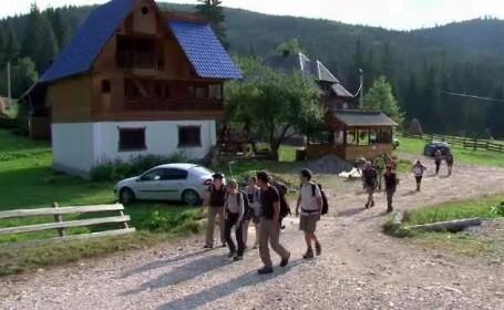 Zeci de turisti din Franta, fascinati de Muntii Apuseni: \