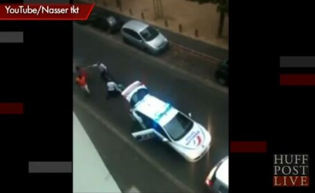 Spray lacrimogen si lovituri de baston. Arestarea brutala a unei femei de catre politistii francezi