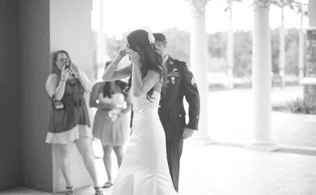 A venit neanuntat la nunta surorii sale. Cum a reactionat aceasta cand si-a revazut fratele