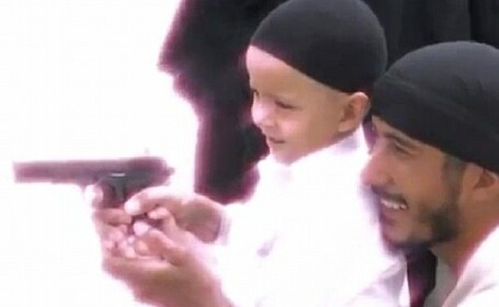 Noua generatie de teroristi: Al-Qaida antreneaza copii de 5 ani pentru razboiul cu Vestul