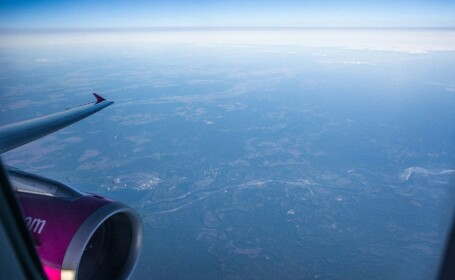 Imagini surprinse dintr-un avion. Natura recucereste zona distrusa dupa dezastrul de la Cernobil