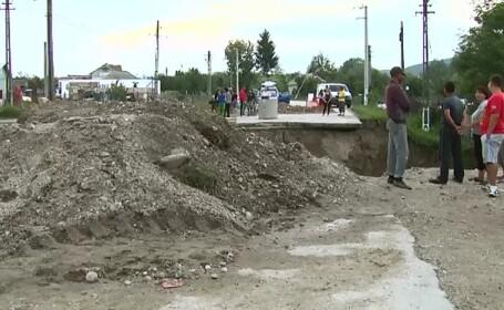 DN7, tronsonul dintre Pitesti si Moraresti, inchis pana duminica pentru repararea a doua poduri distruse de viituri