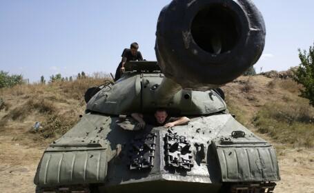 Criza in Ucraina. Armata ucraineana a inconjurat orasul Donetk. Insurgentii prorusi sunt dispusi sa accepte un armistitiu