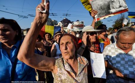 Manifestanti pro Antena 3