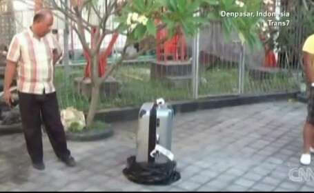 Caz socant la un hotel din Bali. Ce a gasit politia in valiza unei tinere de 19 ani