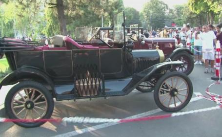 Show de masini clasice in Braila, inclusiv una de 100 de ani. Vedeta a fost un autoturism care i-a apartinut Regelui Mihai