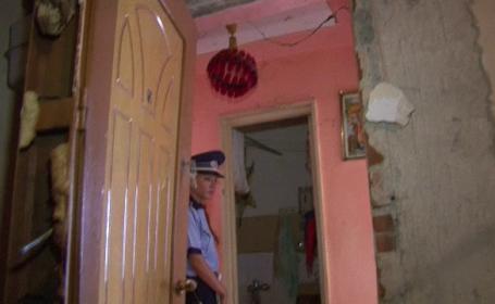 Explozie de proportii in Targu Jiu. O locuinta a sarit in aer, dupa ce o batrana a uitat deschis ochiul unui aragaz