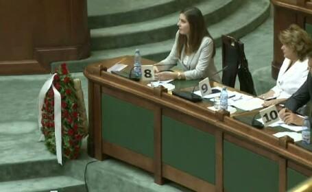 coroana de flori parlament