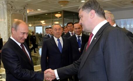 Criza in Ucraina. Petro Porosenko si Vladimir Putin au discutat despre o pace definitiva. Ce au stabilit cei doi lideri