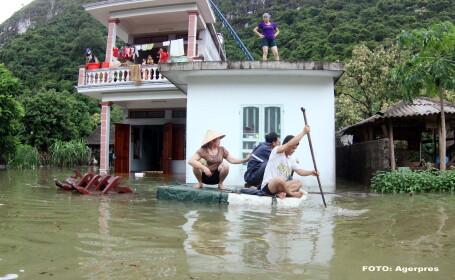 Vietnamul se confrunta cu inundatii masive, din cauza ploilor torentiale. Sute de case, dar si plantatii de orez, distruse