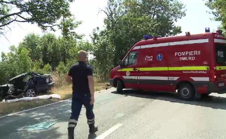 Accident groaznic, petrecut la iesirea din Arad. Un sofer a fost decapitat, dupa ce a intrat cu masina intr-un camion