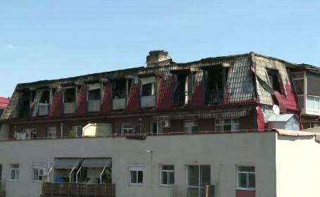 Locatarii blocului din Capitala, mistuit de flacari, acuza dezvoltatorul imobiliar. Ce ar fi provocat incendiul