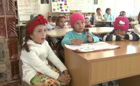 Solutia prin care elevii saraci din Romania ar putea avea sansa la un viitor mai bun. Cum ar putea primi 500 de lei lunar
