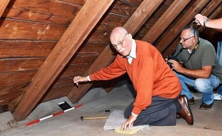 A revizitat casa copilariei sale dupa 70 de ani, s-a urcat in pod si a tras de o sfoara. Ce a descoperit barbatul acolo