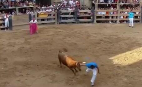 Momentul in care un barbat a fost ucis de un taur, in Spania. Coarnele i-au strapuns abdomenul in fata spectatorilor. VIDEO