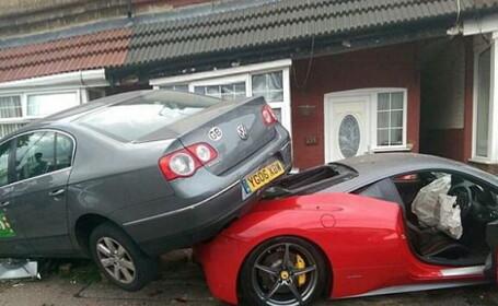 Un britanic a intrat cu un Ferrari in zid si a izbit o alta masina. Cat are de platit dupa ce a distrus bolidul inchiriat