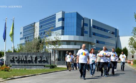 Sindicalistii de la ROMATSA protesteaza in fata sediului companiei.