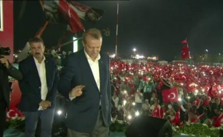 Erdogan: Acordul UE-Turcia privind migrantii se va prabusi daca Bruxelles-ul nu ridica vizele. Scandarile poporului turc