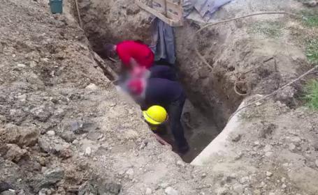 Muncitor salvat in ultima clipa, dupa ce a ramas prins sub un mal de pamant surpat. Pompierii s-au chinuit 4 ore sa-l scoata