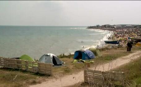 Cum arata in prezent o vacanta cu cortul pe litoral. Conditii ca la hotel, la pretul de 40 de lei pe zi