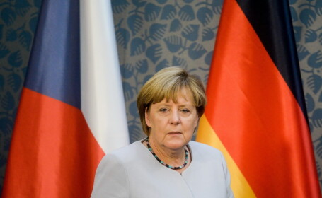Un barbat a incercat sa impiedice trecerea convoiului in care se afla Angela Merkel. Ce a gasit politia in masina sa
