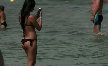 Pentru prima oara in ultimul deceniu, recordul de turisti pe litoral este stabilit in august. Cat de mult au scazut preturile