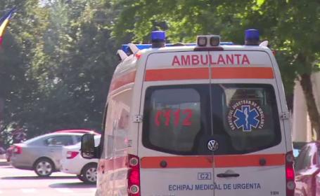 O femeie a ajuns la spital, după ce a confundat sticla de agheasmă cu diluantul
