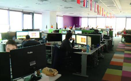 Românii ar putea lucra de acasă. Ce presupune noul proiect de lege