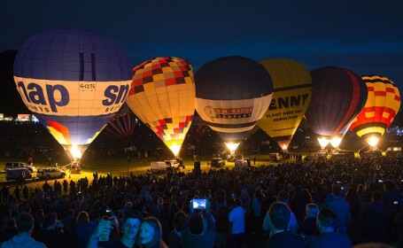 150 de baloane cu aer cald, lansate în Marea Britanie