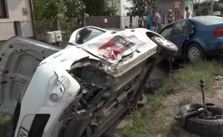 Accident în Mureş, după ce o maşină a intrat pe contrasens şi a lovit ale 2 autoturisme