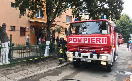 Incendiu într-un bloc din Câmpia Turzii. S-a declanşat Planul Roşu