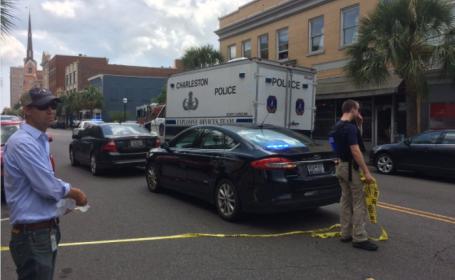 Luare de ostatici în Charleston. Agresorul a fost împușcat