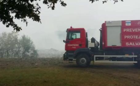 Ministrul Grațiela Gavrilescu, huiduită în comuna unde o groapă de gunoi arde de 11 zile