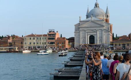 Două bărci s-au ciocnit la Veneția, a treia s-a răsturnat: 3 morți și 8 răniți