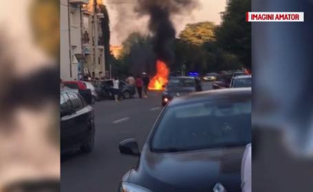 Cum a reușit un tânăr din Pitești să scape din flăcările care i-au cuprins mașina în mers