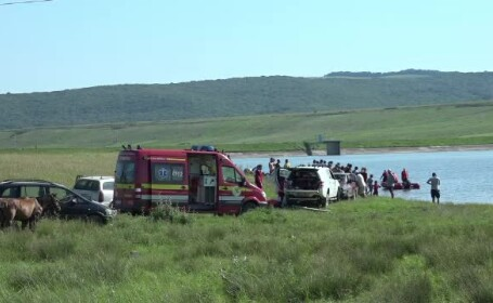 Tragedie într-o localitate din Vaslui. Doi bărbați s-au înecat într-un iaz la distanță de o oră