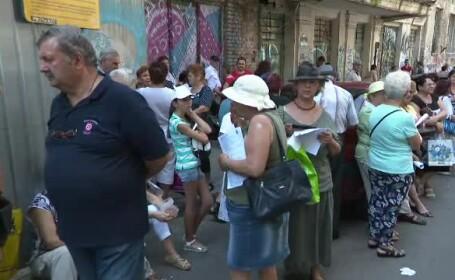 Coadă mare la DGASPC București pentru excursiile în Grecia. Unii au vrut să-și înscrie rudele