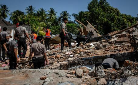 """Bilanțul cutremurului din Indonezia a crescut la 347. """"Oamenii se tem să mai stea în clădiri"""""""