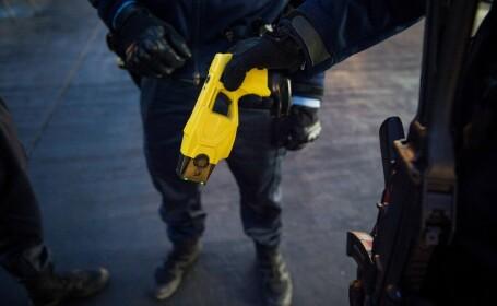 Pistol cu electrosocuri