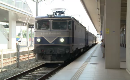 O călătorie cu trenul pe ruta Mangalia-Arad a durat 24 de ore. Reacția unui angajat CFR