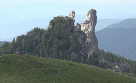 """Turiștii, atrași de traseele spectaculoase din Rarău. """"România e comparabilă cu Elveţia"""""""