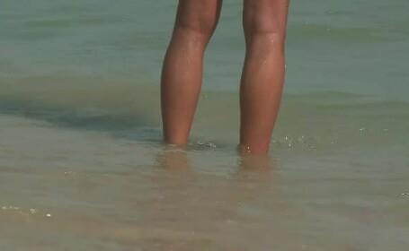 Locul de pe litoral preferat de nudiști, care se amestecă printre turiștii în costum de baie