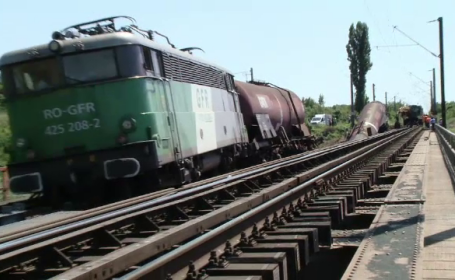 Mecanicul trenului deraiat în Dolj riscă până la 10 ani de închisoare. Ce alcoolemie avea
